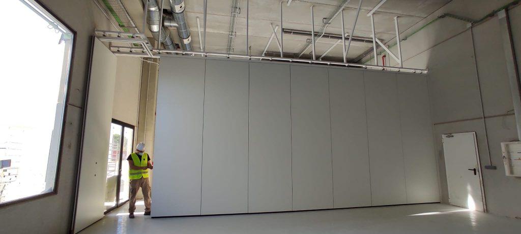 instalación de tabique móvil nave industrial