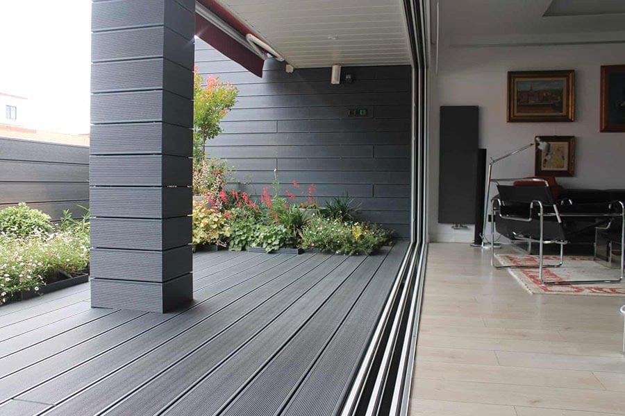 tarima exterior terraza de vivienda